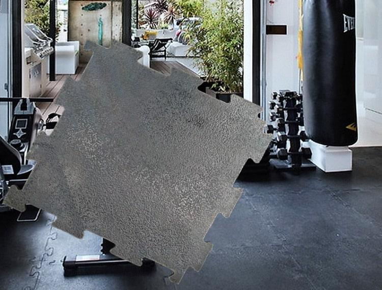 Резиновая угловая накладка на ступени